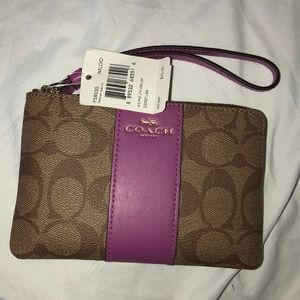 BRAND NEW coach wallet with wristlet strap